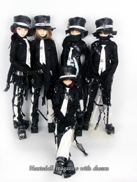 Haute Doll Limited outfits