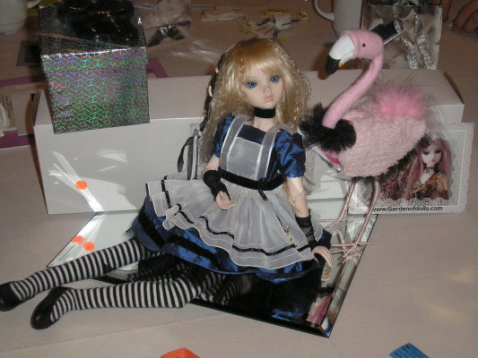 "Nabiya as ""Alice"" for IDEX 2010 centerpiece"