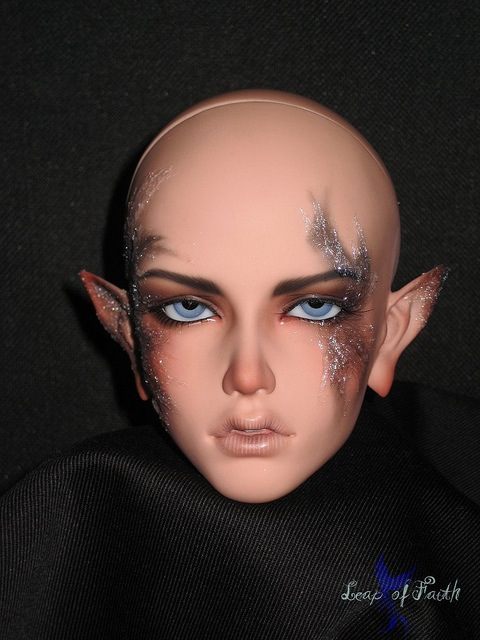 Soom Sard in bronze resin