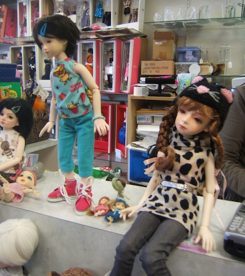 Dolls visiting the Trunk Show
