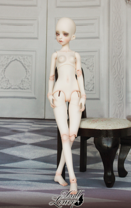 doll leaves 1-4 girl body
